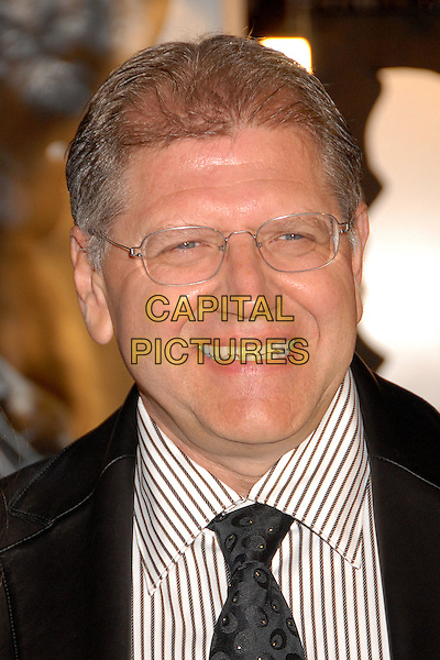 "ROBERT ZEMECKIS, Director.""Beowulf"" Los Angeles Premiere at Mann's Village Theatre, Westwood, California, USA..November 5th, 2007.headshot portrait glasses .CAP/ADM/BP.©Byron Purvis/AdMedia/Capital Pictures."