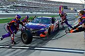 Monster Energy NASCAR Cup Series<br /> Daytona 500<br /> Daytona International Speedway, Daytona Beach, FL USA<br /> Sunday 18 February 2018<br /> Denny Hamlin, Joe Gibbs Racing, FedEx Express Toyota Camry<br /> World Copyright: Rusty Jarrett<br /> LAT Images