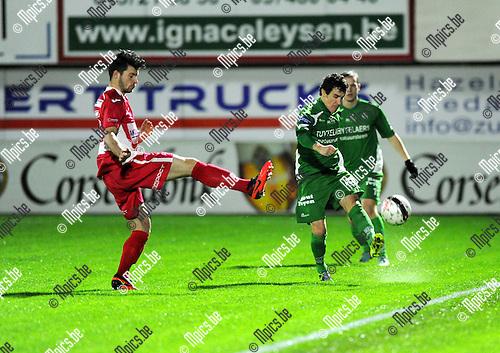 2013-11-09 / Voetbal / seizoen 2013-2014 / Hoogstraten - Dessel Sport / Ruben Tilburgs (l. Hoogstraten) met Hans Hannes<br /><br />Foto: Mpics.be