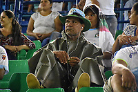 MONTERIA - COLOMBIA, 06-04-2018: Un hincha del Jaguares observa a su equipo durante partido entre Jaguares FC y Envigado FC  por la fecha 13 de la Liga Aguila I 2018 jugado en el estadio Municipal de Monteria. / Fan of Jaguares watch his team during the match between Jaguares FC and Envigado FC for the date 13 of the Liga Aguila I 2018 at the Municipal de Monteria Stadium in Monteria city. Photo: VizzorImage / Andres Felipe Lopez / Cont