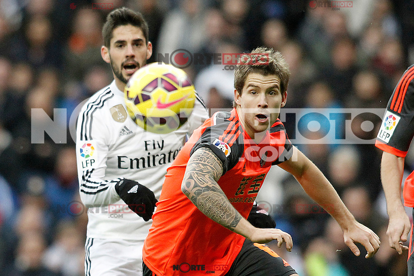 Real Madrid's Isco (l) and Real Sociedad's Inigo Martinez during La Liga match.January 31,2015. (ALTERPHOTOS/Acero) /NortePhoto<br /> /NortePhoto.com