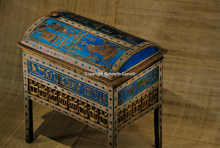 Wooden Chest; Tomb of Yuya; Thuya; KV 46,Tutankhamun and the Golden Age of the Pharaohs, Page 70