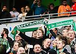 Stockholm 2015-02-16 Fotboll Tr&auml;ningsmatch Hammarby IF - LA Galaxy :  <br /> Hammarbysupporter med en halsduk med texten &Auml;ntligen under matchen mellan Hammarby IF och LA Galaxy <br /> (Foto: Kenta J&ouml;nsson) Nyckelord:  Fotboll Tr&auml;ningsmatch Tele2 Arena Hammarby HIF Bajen Los Angeles LA Galaxy supporter fans publik supporters
