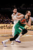 22nd March 2018, Wizink Centre, Madrid, Spain; Turkish Airlines Euroleague Basketball, Real Madrid versus Zalgiris Kaunas; Arturas Milaknis (Zalgiris Kaunas) wins the jump off at the start of the match