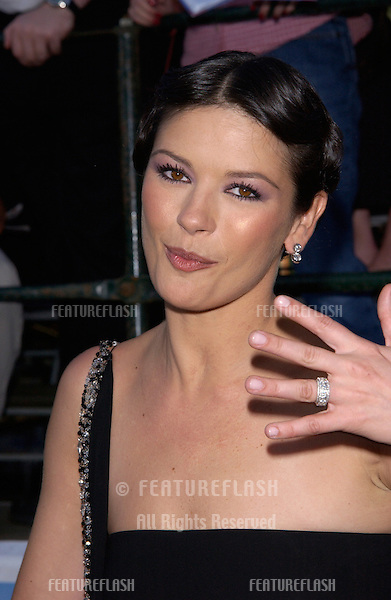 Actress CATHERINE ZETA-JONES at the world premiere, in Los Angeles, of her new movie America's Sweethearts..17JUL2001  © Paul Smith/Featureflash