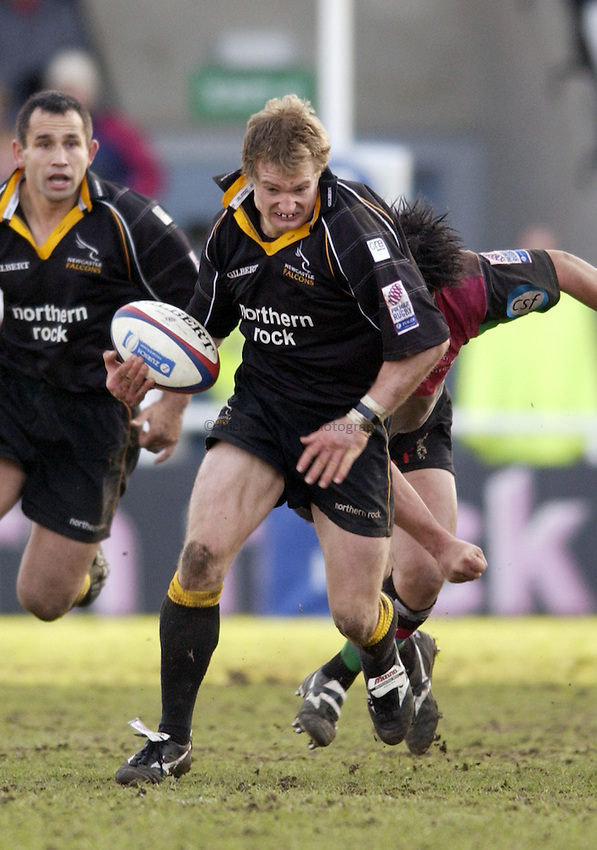 .Photo. Jed Wee.Newcastle Falcons v Harlequins, Zurich Premiership, Kingston Park, Newcastle. 01/02/2003..Newcastle's Jamie Noon.
