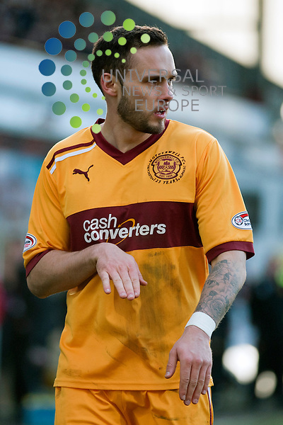 Tom Hateley of Motherwell gestures to his team-mates before a corner during the SPL match between Dunfermline FC v Motherwell FC at East End Park in Dunfermline on Saturday 3rd of March 2012..All pictures must be credited to www.universalnewsandsport.com (Office) 0844 884 51 22