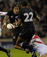 Twickenham. GREAT BRITAIN, Sitiveni SIVIVATU, run's onto Ma'a NONU pass, during the, 2006 Investec Challenge, game between, England  and New Zealand [All Blacks], on Sun., 05/11/2006, played at the Twickenham Stadium, England. Photo, Peter Spurrier/Intersport-images].....   [Mandatory Credit, Peter Spurier/ Intersport Images].