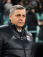 Calcio, Champions League: Gruppo H, Juventus vs Lione. Torino, Juventus Stadium, 2 novembre 2016. <br /> Lyon's coach Bruno Genesio waits for the start of the Champions League Group H football match between Juventus and Lyon at Turin's Juventus Stadium, 2 November 2016. The game ended 1-1.<br /> UPDATE IMAGES PRESS/Isabella Bonotto