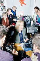 Kirsten Gillibrand - JajaBelle's Pastry and Coffee Shop - Nashua, NH - 2 Feb 2019