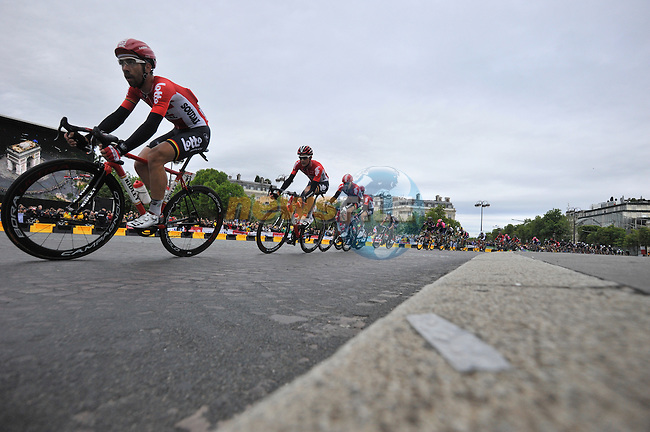 Lotto-Soudal sprint train in action on the Champs Elysees in Paris during Stage 21 of the 2015 Tour de France running 109.5km from Sevres to Paris - Champs Elysees, France. 26th July 2015.<br /> Photo: ASO/B.Bade/Newsfile