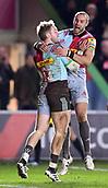 3rd December 2017, Twickenham Stoop, London, England; Aviva Premiership rugby, Harlequins versus Saracens; Charlie Walker of Harlequins celebrates with Mike Brown of Harlequins on scoring his try