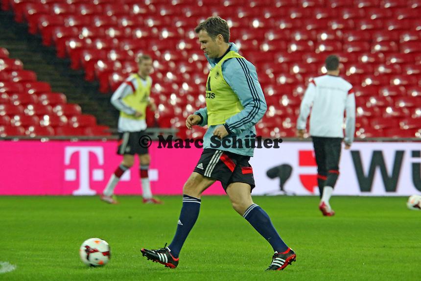 Oliver Bierhoff (D) - Abschlusstraining der Nationalmannschaft im Wembley Stadium