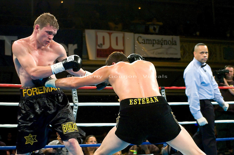 Yuri Foreman (l) on the defense against Jesus Soto  during their Junior Middleweight 8 rounds fight  at the Hammerstein Ballroom in NYC on 02.24.05. Yuri won the fight by Unanimous Decision.