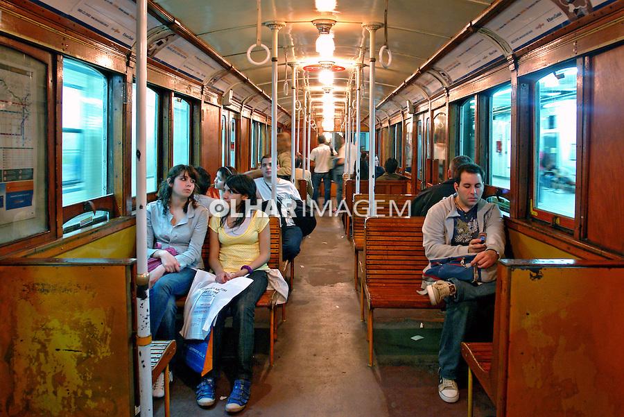 Transporte de metro em Buenos Aires. Argentina. 2008. Foto de Caio Vilela.