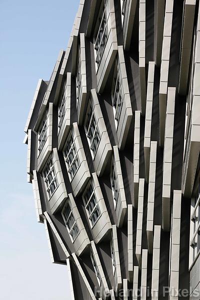 Nederland Almere 2017 . De gevel van The Wave. The Wave is een appartementencomplex, ontworpen door Rene van Zuuk. Foto Berlinda van Dam / Hollandse Hoogte