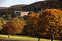 17/10/12 ..Chatsworth House, Derbyshire is surrounded by stunning Autumn colours,..All Rights Reserved - F Stop Press.  www.fstoppress.com. Tel: +44 (0)1335 300098.Copyrighted Image. Fees charged will reflect previously agreed terms or space rates for individual publications, states or country.