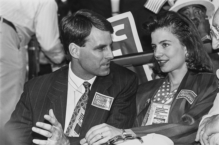 Rep. Tim Roener, D-Ind., with his wife Sally at Democratic National Convention, on July 15, 1992. (Photo by Maureen Keating/CQ Roll Call via Getty Images)