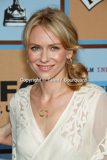 Naomi Watts arriving at the 21th Independent Spirit Awards on Santa Monica Beach  in Los Angeles March 4th, 2006.