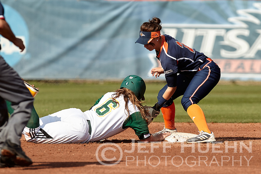 SAN ANTONIO, TX - FEBRUARY 21 2015: The Southeastern Louisiana University Lady Lions falls to the University of Texas at San Antonio Roadrunners 2-1 at Roadrunner Field. (Photo by Jeff Huehn)
