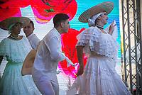 CALI - COLOMBIA. 18-08-2018: Un grupo de danza del Pacífico en su presentación durante el quinto día del XXIII Festival de Música del Pacífico Petronio Alvarez 2019 el festival cultural afro más importante de Latinoamérica y se lleva acabo entre el 14 y el 19 de agosto de 2019 en la ciudad de Cali. / A Pacific Dance group on its performance during fifth day of the XXII Pacific Music Festival Petronio Alvarez 2019 that is the most important afro descendant cultural festival of Latin America and takes place between August 14 and 19, 2019, in Cali city. Photo: VizzorImage/ Gabriel Aponte / Staff