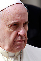 Papa Francesco al termine dell'udienza generale del mercoledi' in Piazza San Pietro, Citta' del Vaticano, 24 settembre 2014.<br /> Pope Francis leaves at the end of his weekly general audience in St. Peter's Square at the Vatican, 24 September 2014.<br /> UPDATE IMAGES PRESS/Isabella Bonotto<br /> <br /> STRICTLY ONLY FOR EDITORIAL USE