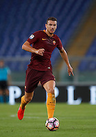 Calcio, Serie A: Roma, stadio Olimpico, 21 settembre 2016.<br /> Roma&rsquo;s Edin Dzeko in action during the Serie A soccer match between Roma and Crotone at Rome's Olympic stadium, 21 September 2016. Roma won 4-0.<br /> UPDATE IMAGES PRESS/Isabella Bonotto
