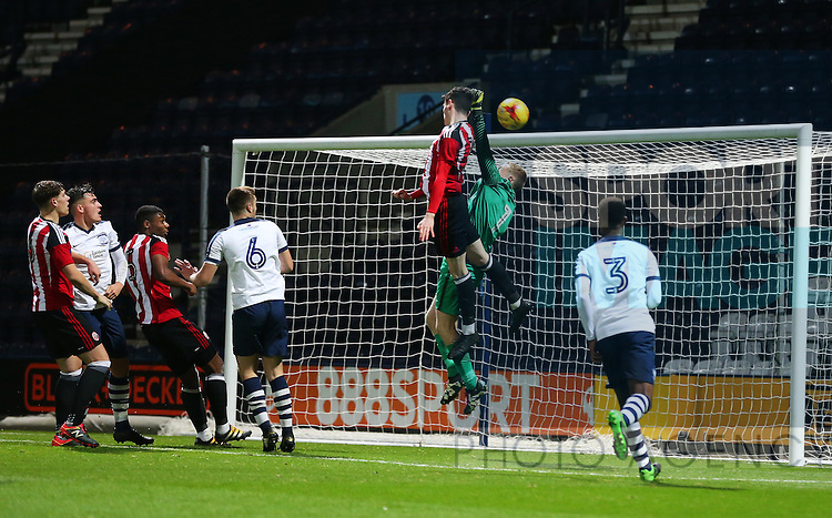 David Parkhouse of Sheffield United misses a chance during the FA Youth Cup 3rd Round match at Deepdale Stadium, Preston. Picture date: November 30th, 2016. Pic Matt McNulty/Sportimage