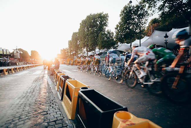 The peloton enter the Champs-Elysees during Stage 21 of the 2019 Tour de France running 128km from Rambouillet to Paris Champs-Elysees, France. 28th July 2019.<br /> Picture: ASO/Thomas Maheux | Cyclefile<br /> All photos usage must carry mandatory copyright credit (© Cyclefile | ASO/Thomas Maheux)