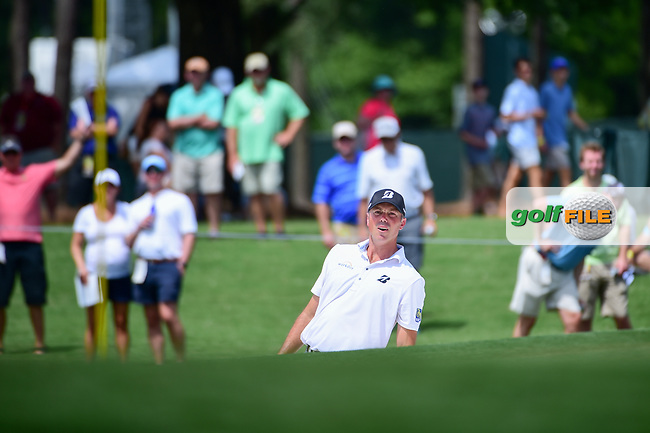 Matt Kuchar (USA) hits from the trap on 4 as he and the fans lean for help during Thursday's round 1 of the PGA Championship at the Quail Hollow Club in Charlotte, North Carolina. 8/10/2017.<br /> Picture: Golffile | Ken Murray<br /> <br /> <br /> All photo usage must carry mandatory copyright credit (&copy; Golffile | Ken Murray)