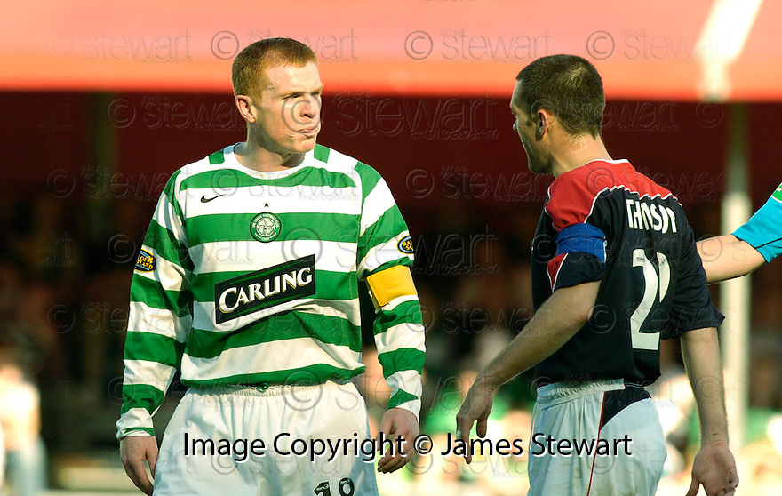 01/10/2006       Copyright Pic: James Stewart.File Name :sct_jspa09_falkirk_v_celtic.NEIL LENNON AND STEVEN THOMSON FACE UP TO EACH OTHER......Payments to :.James Stewart Photo Agency 19 Carronlea Drive, Falkirk. FK2 8DN      Vat Reg No. 607 6932 25.Office     : +44 (0)1324 570906     .Mobile   : +44 (0)7721 416997.Fax         : +44 (0)1324 570906.E-mail  :  jim@jspa.co.uk.If you require further information then contact Jim Stewart on any of the numbers above.........
