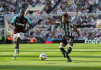 Newcastle United's Mikel Merino gets in a shot<br /> <br /> Photographer Rob Newell/CameraSport<br /> <br /> The Premier League - Newcastle United v West Ham United - Saturday 26th August 2017 - St James' Park - Newcastle<br /> <br /> World Copyright &copy; 2017 CameraSport. All rights reserved. 43 Linden Ave. Countesthorpe. Leicester. England. LE8 5PG - Tel: +44 (0) 116 277 4147 - admin@camerasport.com - www.camerasport.com