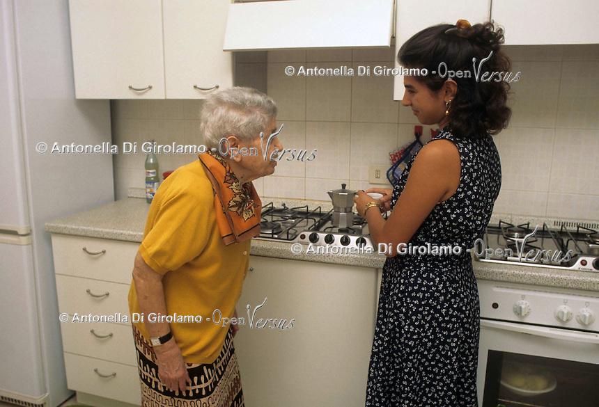 Assistenza agli anziani. Elderly care....