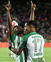 BOGOTÁ - COLOMBIA, 28-07-2018: Yerson Candelo jugador del Nacional celebra con Dayro Moreno después de anotar el segundo gol de su equipo a Santa Fe durante el encuentro entre Independiente Santa Fe y Atlético Nacional por la fecha 2 de la Liga Águila II 2018 jugado en el estadio Nemesio Camacho El Campin de la ciudad de Bogotá. / Yerson Candelo player of Nacional celebrates with Dayro Moreno after scoring the second goal of his team to Santa Fe during match between Independiente Santa Fe and Atletico Nacional for the date 2 of the Aguila League II 2018 played at the Nemesio Camacho El Campin Stadium in Bogota city. Photo: VizzorImage/ Gabriel Aponte / Staff