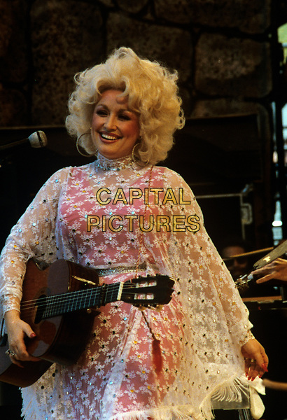 American singer-songwriter Dolly Parton photographed in 1981. <br /> CAP/MPI/NBB<br /> &copy;NBB/MPI/Capital Pictures