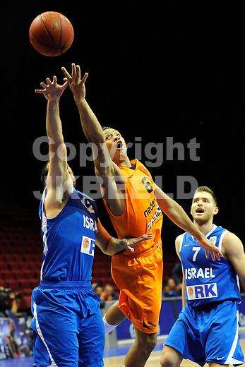 GRONINGEN  Basketbal, Nederland - Israel, Martiniplaza, EK kwalificatie ,  seizoen 2014-2015, 13-08-2014,  Worthy de Jong