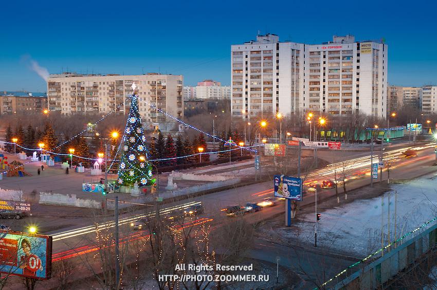 Новогодняя елка в парке Гагарина в Оренбурге
