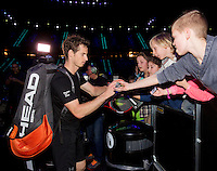 Februari 11, 2015, Netherlands, Rotterdam, Ahoy, ABN AMRO World Tennis Tournament, Andy Murray (GBR) schikking autographs after his match against Nicolas Mahut (FRA)<br /> Photo: Tennisimages/Henk Koster