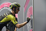 Simon Yates (GBR) Mitchelton-Scott at sign on before the start of Stage 21 of the 2018 Giro d'Italia, running 115km around the centre of Rome, Italy. 27th May 2018.<br /> Picture: LaPresse/Marco Alpozzi | Cyclefile<br /> <br /> <br /> All photos usage must carry mandatory copyright credit (&copy; Cyclefile | LaPresse/Marco Alpozzi)