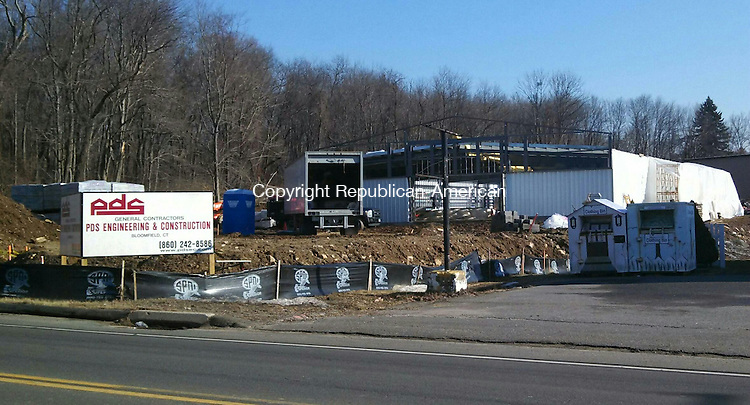 WOLCOTT, CT - 20 Jan. 2014 - 012014AL01 - Dollar General will open a store in this building at 412 Wolcott Road in the summer. The building is being constructed by PDS Engineering & Construction of Bloomfield. Andrew Larson / Republican-American