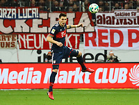Kopfball Niklas Süle (FC Bayern Muenchen) - 09.12.2017: Eintracht Frankfurt vs. FC Bayern München, Commerzbank Arena