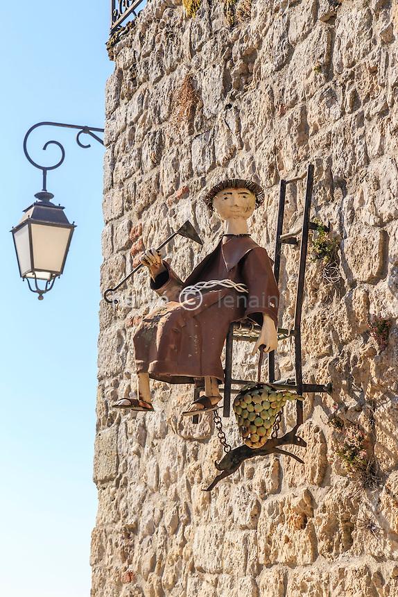 France, Tarn-et-Garonne (82), Lauzerte, labellis&eacute; Les Plus Beaux Villages de France, enseigne au moine // France, Tarn et Garonne, Lauzerte, labelled Les Plus Beaux Villages de France (The Most beautiful<br /> Villages of France), sign with monk