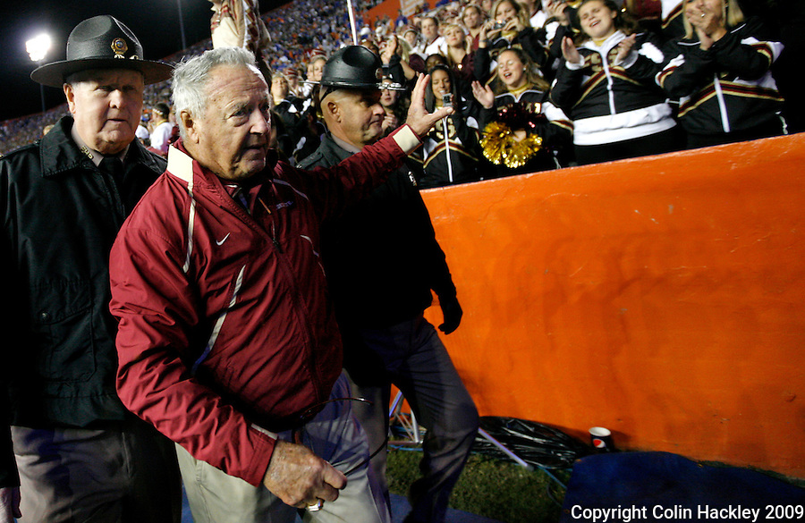 GAINESVILLE, FL 11/28/09-FSU-UF FB09 CH78-Florida State Head Coach Bobby Bowden waves to fans after the Florida game Saturday at Florida Field in Gainesville. The Gators beat the Seminoles 37-10..COLIN HACKLEY PHOTO