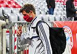 23.05.2020, Allianz Arena, nph00250, , München, GER, 1.FBL, FC Bayern München vs Eintracht Frankfurt 23.05.2020 , <br /><br />Nur für journalistische Zwecke!<br /><br />Gemäß den Vorgaben der DFL Deutsche Fußball Liga ist es untersagt, in dem Stadion und/oder vom Spiel angefertigte Fotoaufnahmen in Form von Sequenzbildern und/oder videoähnlichen Fotostrecken zu verwerten bzw. verwerten zu lassen. <br /><br />Only for editorial use! <br /><br />DFL regulations prohibit any use of photographs as image sequences and/or quasi-video..<br />im Bild<br />Thomas Müller (München) <br />    <br /> Foto: Peter Schatz/Pool/Bratic/nordphoto