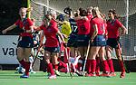 AMSTELVEEN  - Lieke van Wijk (Lar) heeft gescoord,  , hoofdklasse hockeywedstrijd dames Pinole-Laren (1-3). links Elin van Erk (Lar) met Joelle Ketting (Lar) COPYRIGHT  KOEN SUYK