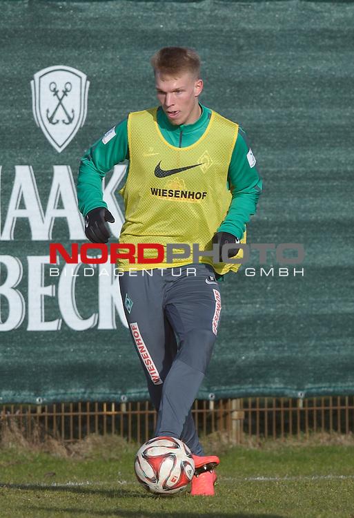 26.02.2015, Trainingsgelaende, Bremen, GER, 1.FBL, Training Werder Bremen, im Bild Janek Sternberg (Bremen #37)<br /> <br /> Foto &copy; nordphoto / Frisch