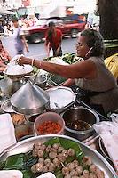 "Thailande/Bangkok: Petit restaurant de rue au Marché ""Parklong Talad"""