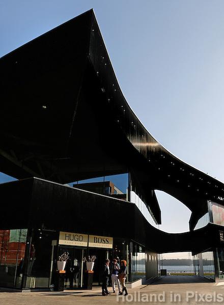 Moderne architectuur in  het Winkelcentrum in de binnenstad van Almere