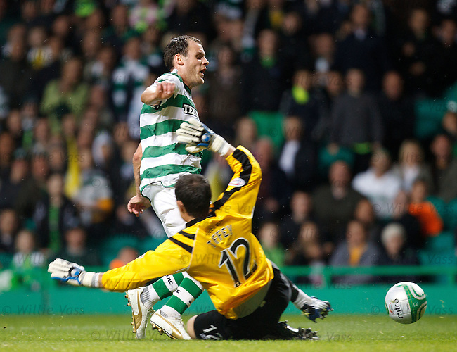 Anthony Stokes goes down in the box under a Jonny Tuffey challenge for a penalty award