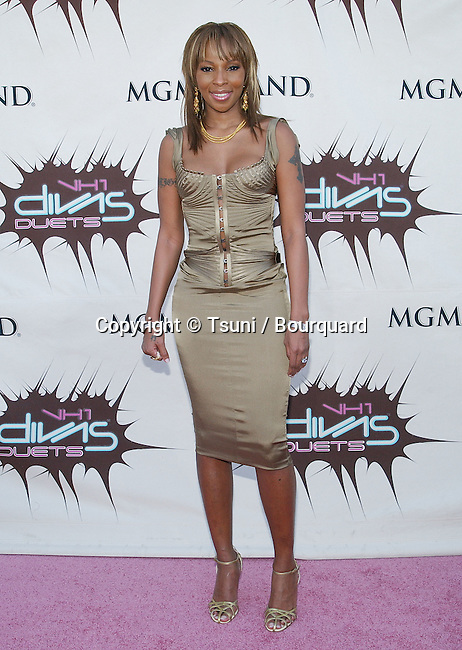 Mary J. Blige arriving at the VH 1 Divas Duets at the Grand Arena MGM in Las Vegas. May 22, 2003.